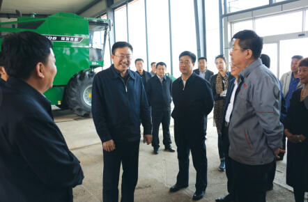 哈尔滨市委书记陈海波调研东方粮仓